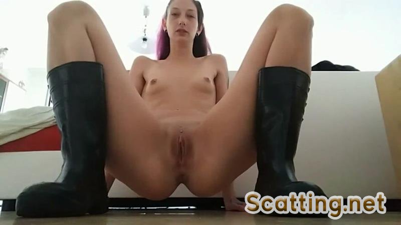 KV-TEEN - Shit in rubber boots (Amateur, Solo) Young Girls [FullHD 1080p]