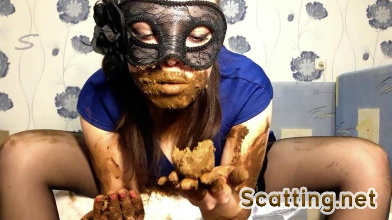 ScatLina - I wear a diaper and take off my mask (Scatology, Solo) Extreme Scat [FullHD 1080p]